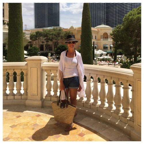 Last day in Vegas for day 8 #stylechallenge I'm headed to the pool in my white #lillypulitzer #kimonocardigan for #stylememay and some black in my #ericjavits fedora for#delishstylechallenge | layered necklace for #makemaymarvelous | some structure with my hat for #fearfullywonderfullymademaystyle | I don't usually wear a necklace to the pool but I did today for #accessoryadayinmay #accessoryaday #40plusstyle #fashionover40 #fblogger #styleblogger #bloggerstyle #californiablogger #momstyle #wiw #ootd #wiwt #lillyfortarget