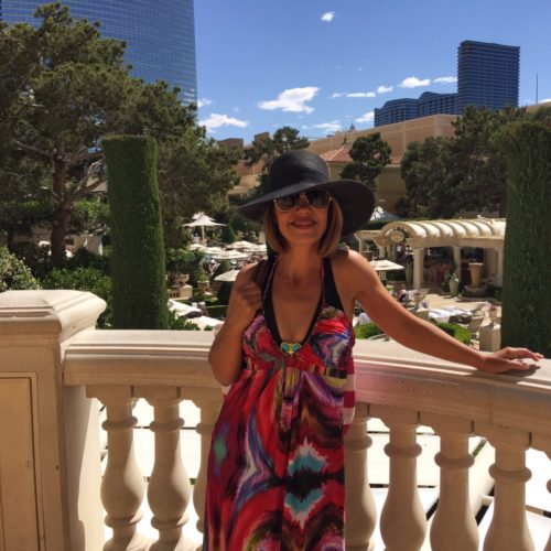 Las Vegas Style Post \ What to Wear Poolside