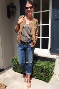 graphic tee + boyfirend jeans = InstaStyle on AskSuzanneBell