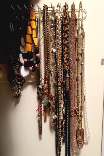necklace storage \ on belt hooks | organizing time on AskSuzanneBell.com
