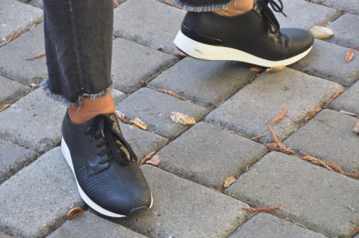 Vince Sneakers